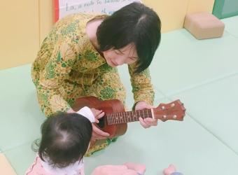 聴いて歌って英語で楽しむ音楽会【レポート】